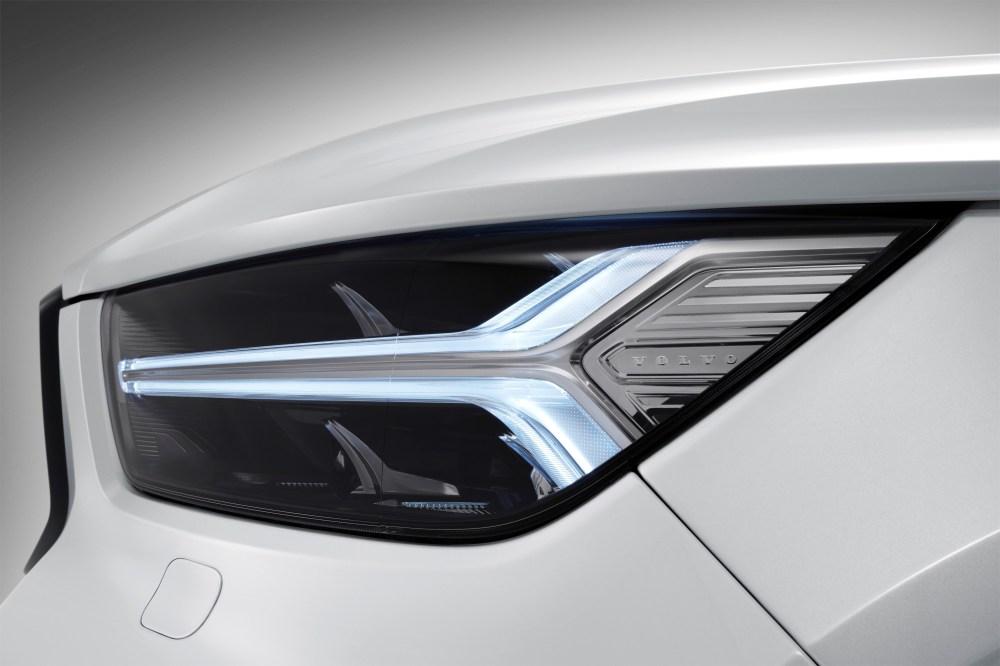 213058_New_Volvo_XC40_exterior_detail.jpg