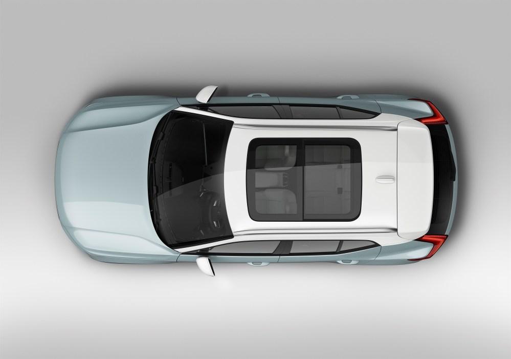 213077_New_Volvo_XC40_exterior.jpg