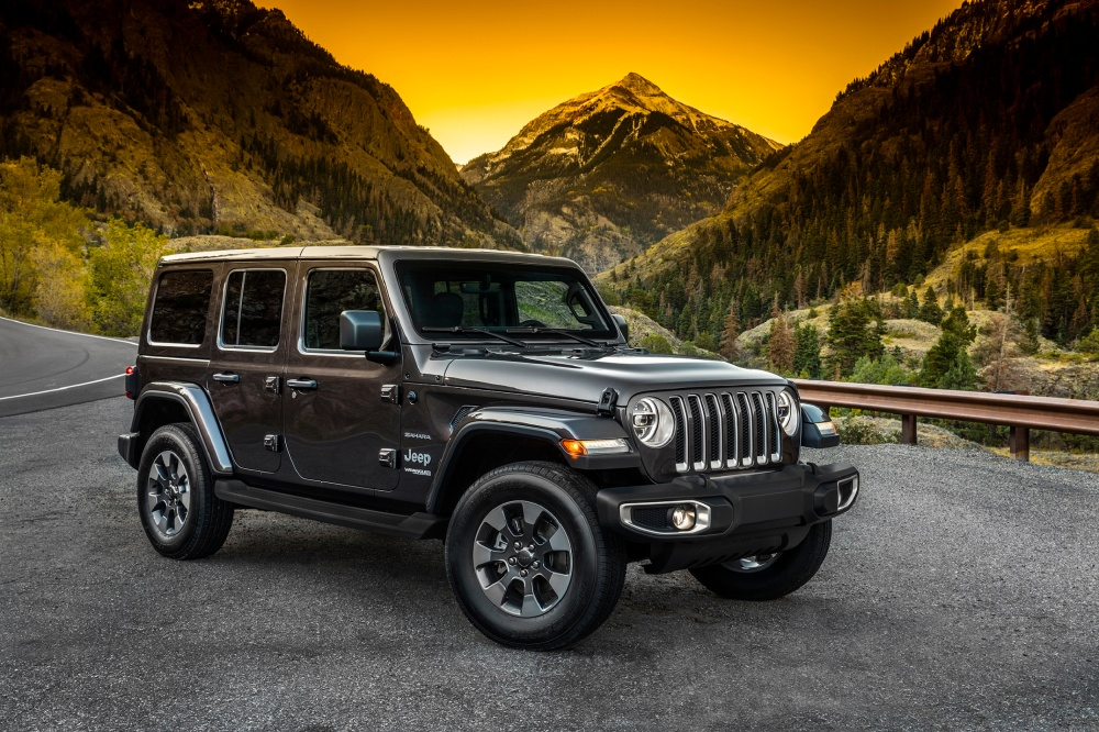 All-new 2018 Jeep® Wrangler Sahara Side.jpg