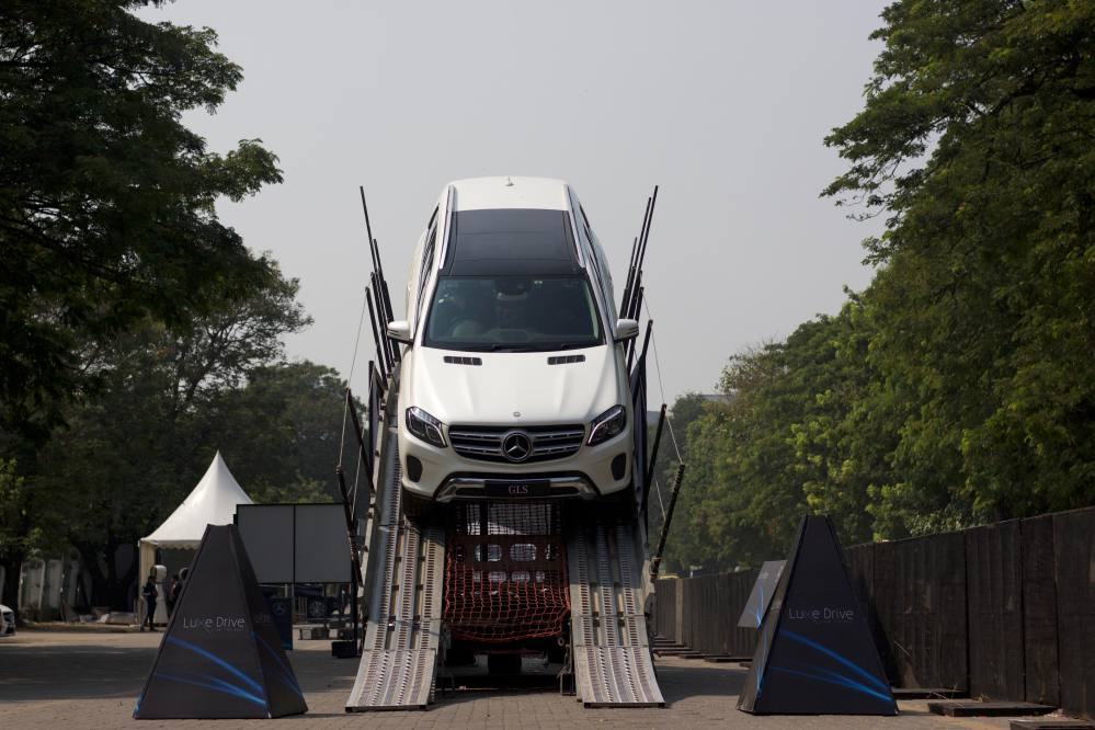 Mercedes−Benz organised the Luxe Drive at Mahalaxmi Racecourse in Mumbai.jpeg