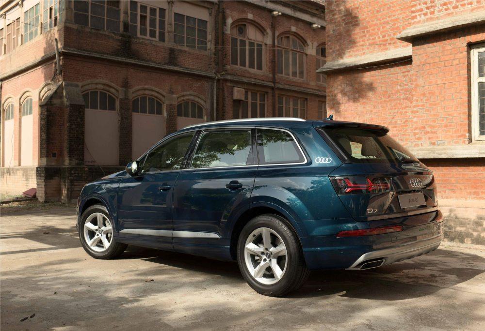 Audi Q7 Design Edition (2)