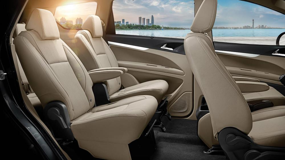 mahindra-marazzo-seating-wallpaper