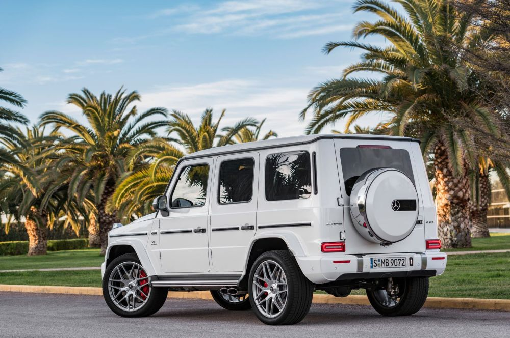 2019-mercedes-amg-g63-exterior-rear-quarter-01